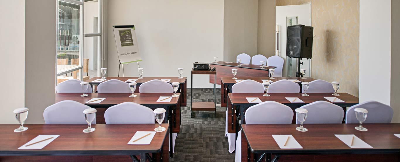 Meeting Room of Whiz Prime Hasanuddin Makassar