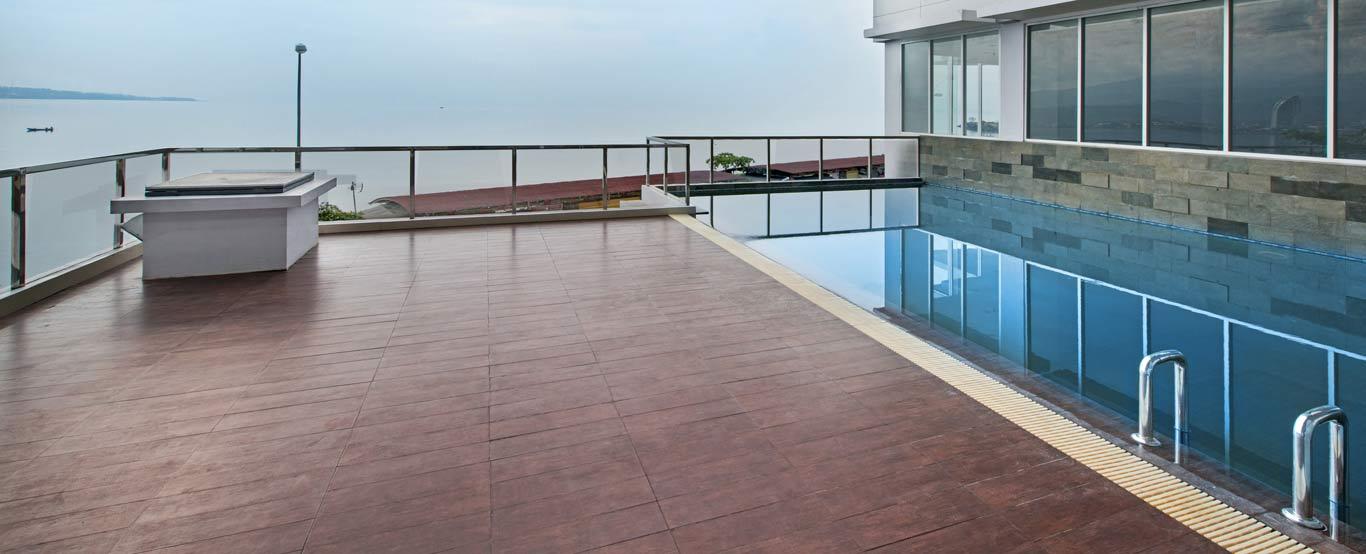 Whiz Prime Hotel Megamas Manado By Intiwhiz International