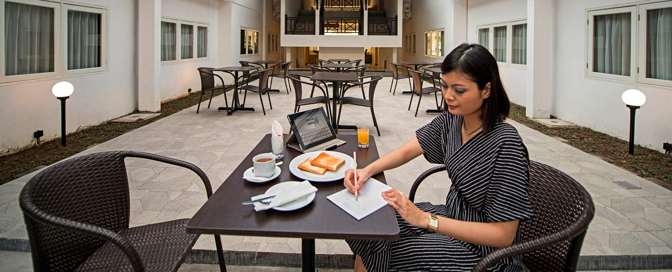 Whiz Prime Hotel Darmo Harapan By Intiwhiz International
